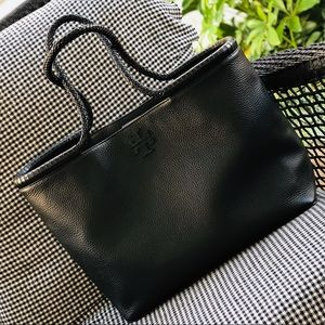 Tory Burch Taylor Tote In Black Pebbled Leather